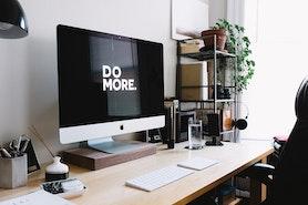Jak urządzić wygodne i inspirujące domowe biuro?