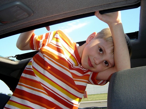 Co zabrać w podróż samochodem z dzieckiem?