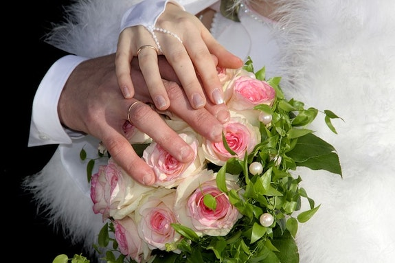 Ślubne prezenty ze smakiem - nie rób młodym przykrości, a sobie wstydu!