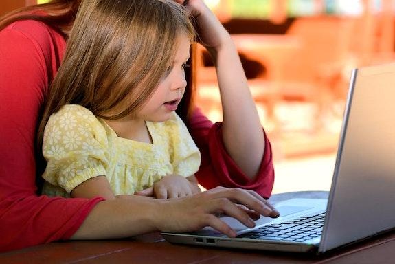 Laptop dla dziecka pod choinkę – TOP 5 najlepszych modeli