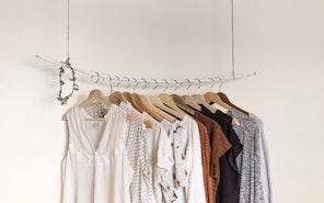 Capsule wardrobe, czyli szafa w wersji minimalistycznej